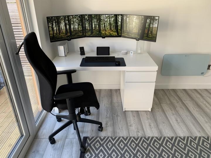 Show_Your_PC_Desk_Part229_19.jpg