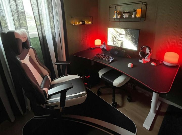 Show_Your_PC_Desk_Part229_20.jpg