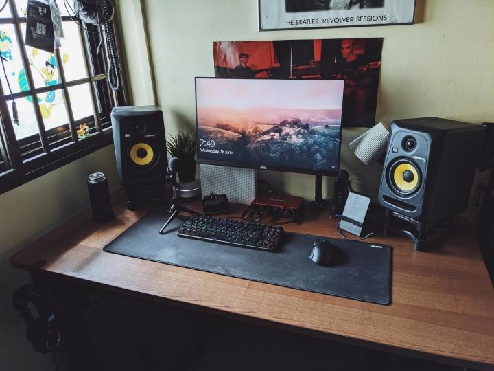 Show_Your_PC_Desk_Part229_96.jpg