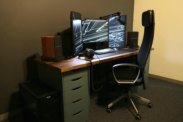 Show_Your_PC_Desk_Part230_06.jpg