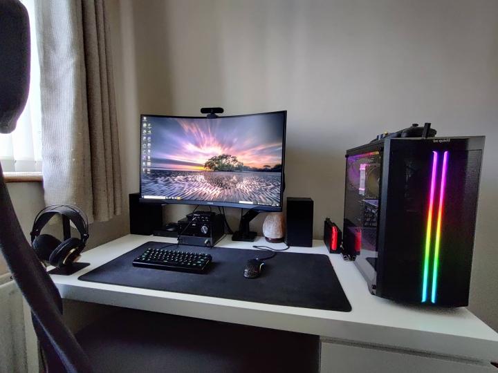 Show_Your_PC_Desk_Part230_07.jpg