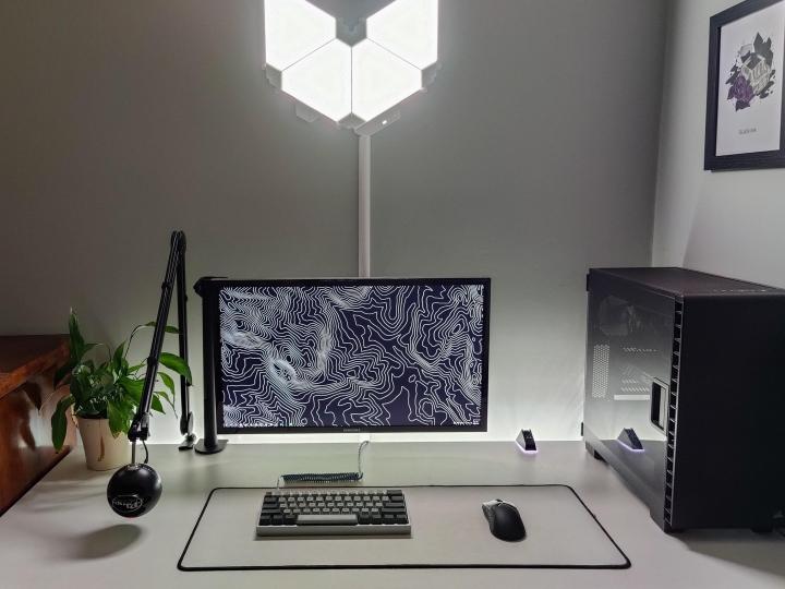 Show_Your_PC_Desk_Part230_09.jpg