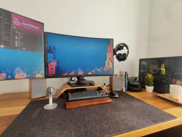 Show_Your_PC_Desk_Part230_21.jpg