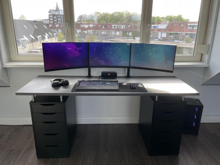 Show_Your_PC_Desk_Part230_56.jpg