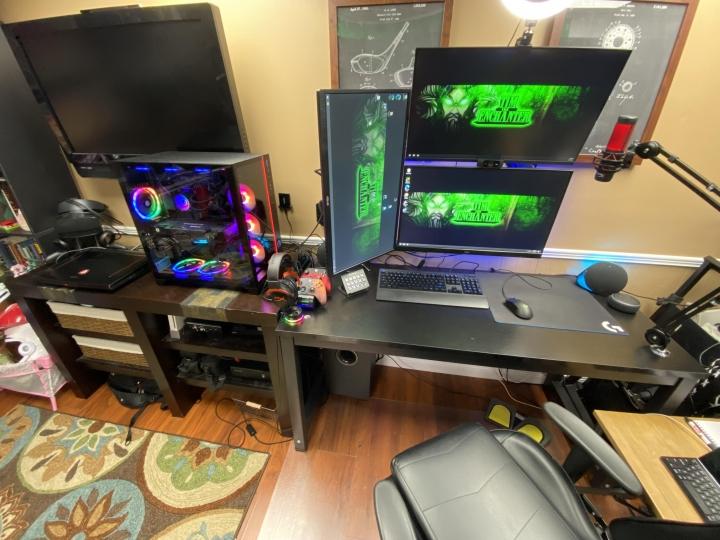 Show_Your_PC_Desk_Part230_57.jpg
