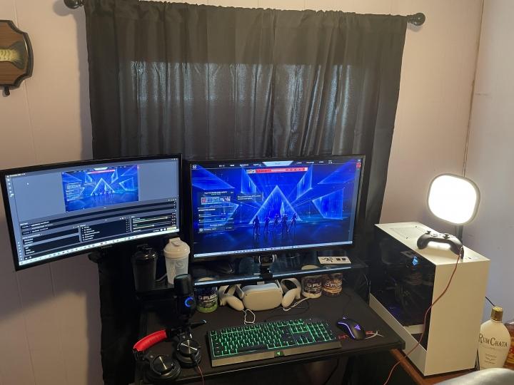 Show_Your_PC_Desk_Part230_61.jpg