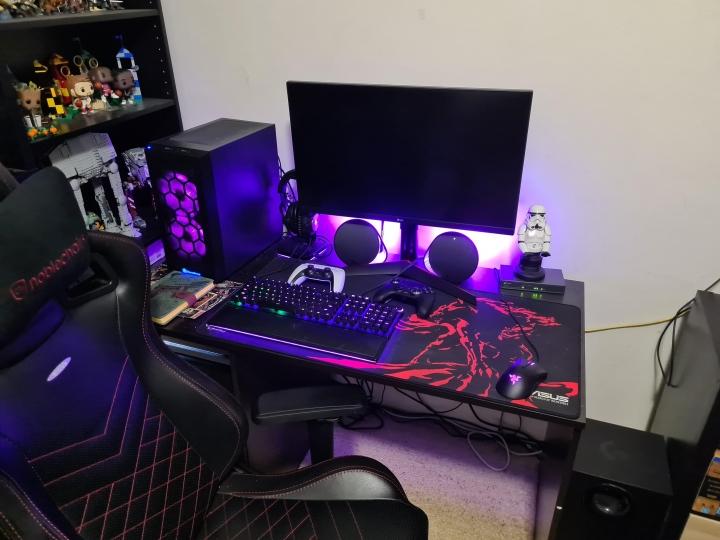Show_Your_PC_Desk_Part230_73.jpg