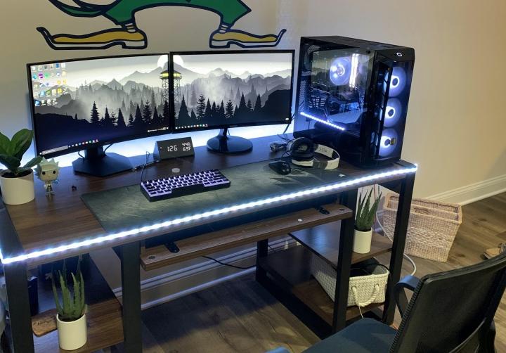 Show_Your_PC_Desk_Part230_96.jpg