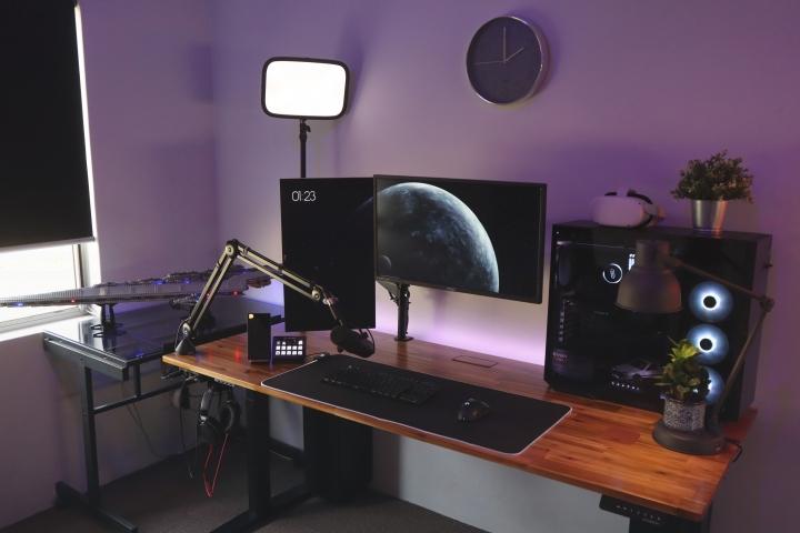Show_Your_PC_Desk_Part231_03.jpg