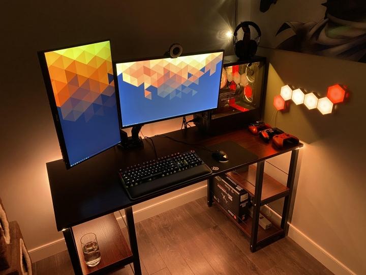 Show_Your_PC_Desk_Part231_05.jpg
