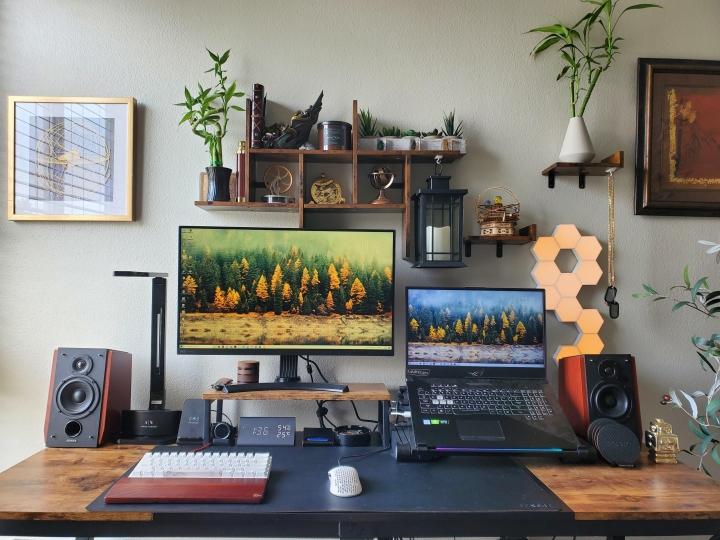Show_Your_PC_Desk_Part231_100.jpg