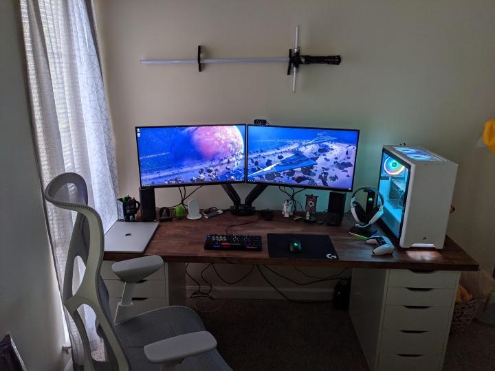 Show_Your_PC_Desk_Part231_13.jpg