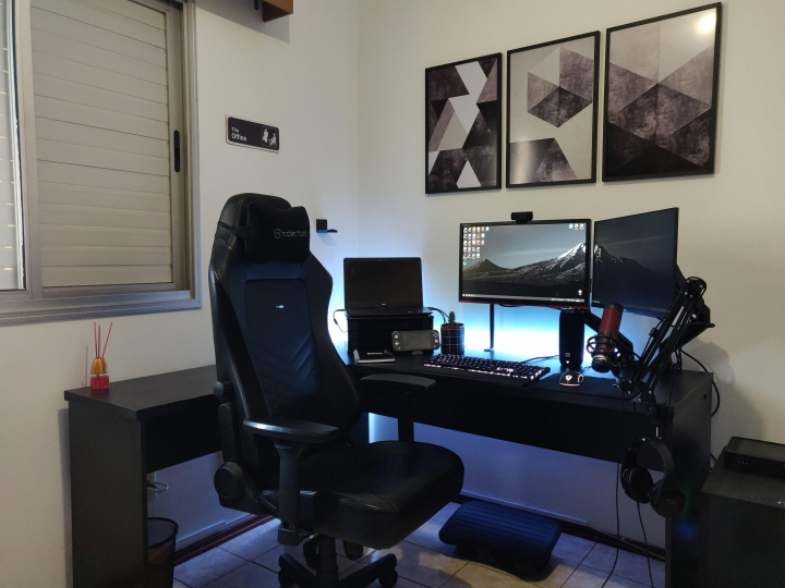 Show_Your_PC_Desk_Part231_41.jpg