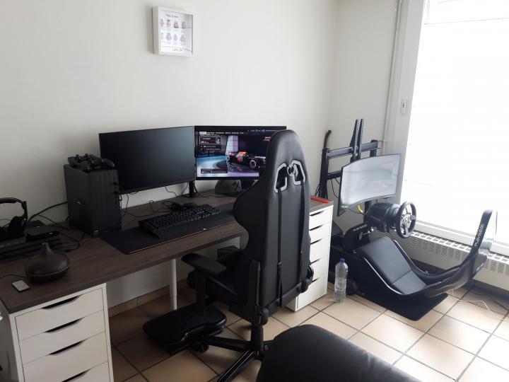 Show_Your_PC_Desk_Part231_43.jpg