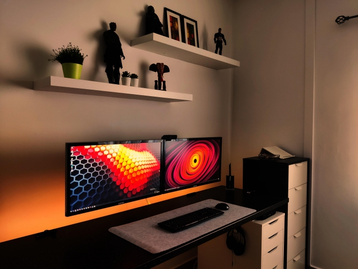 Show_Your_PC_Desk_Part231_55.jpg