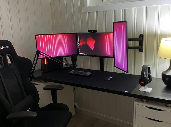 Show_Your_PC_Desk_Part231_69.jpg