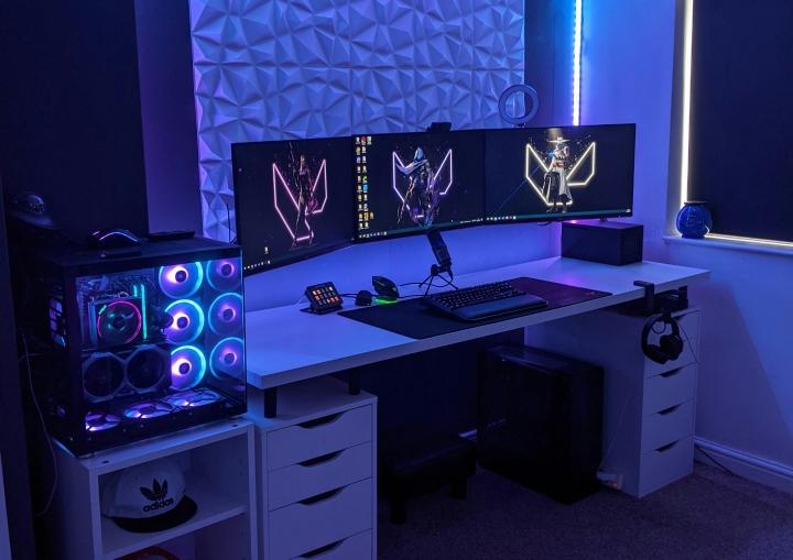 Show_Your_PC_Desk_Part231_74.jpg