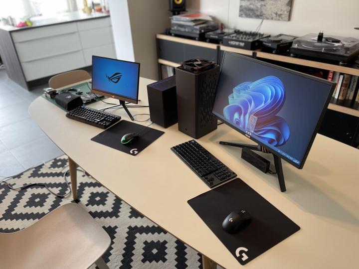 Show_Your_PC_Desk_Part231_98.jpg
