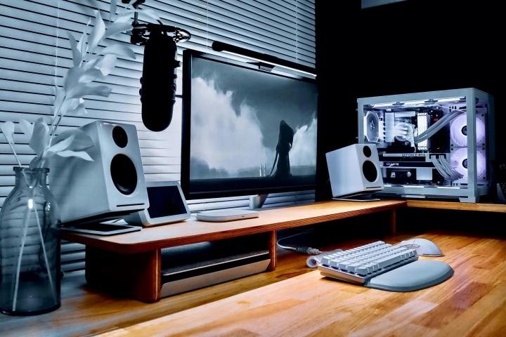 Show_Your_PC_Desk_Part232_01.jpg