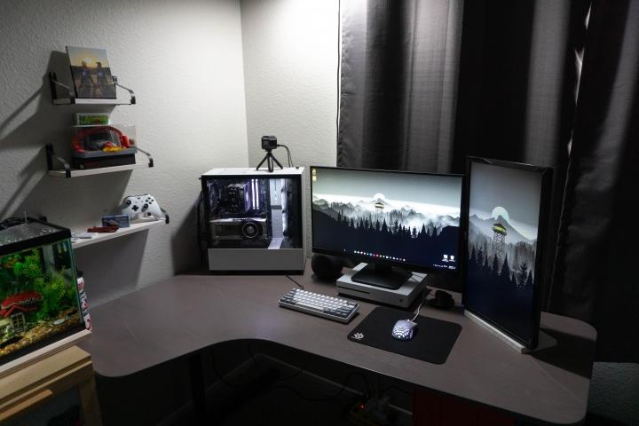 Show_Your_PC_Desk_Part232_03.jpg