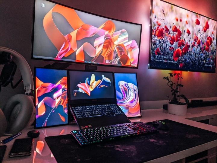 Show_Your_PC_Desk_Part232_06.jpg