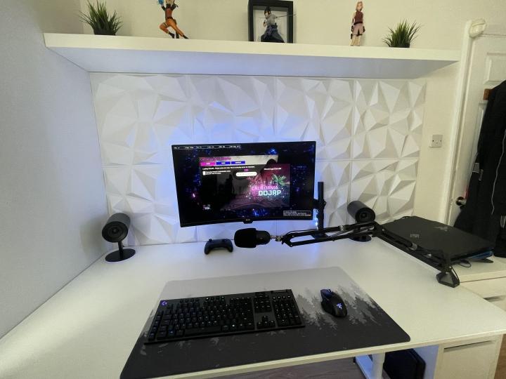 Show_Your_PC_Desk_Part232_23.jpg