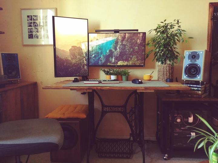 Show_Your_PC_Desk_Part232_64.jpg