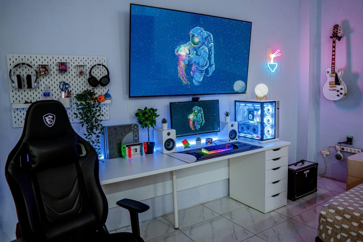 Show_Your_PC_Desk_Part233_01.jpg