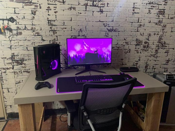 Show_Your_PC_Desk_Part233_05.jpg