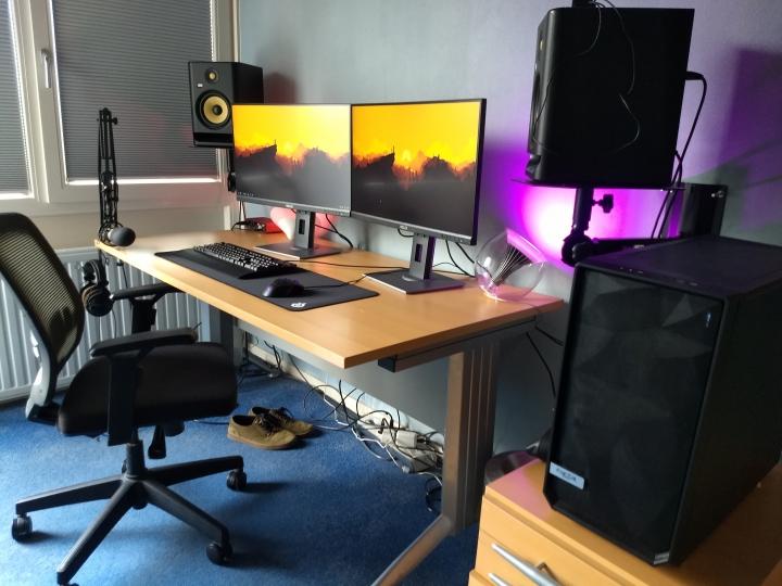 Show_Your_PC_Desk_Part233_100.jpg