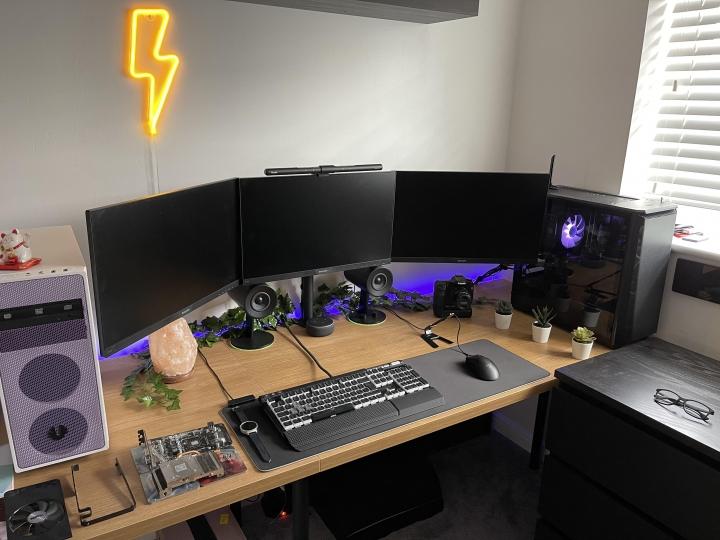 Show_Your_PC_Desk_Part233_50.jpg