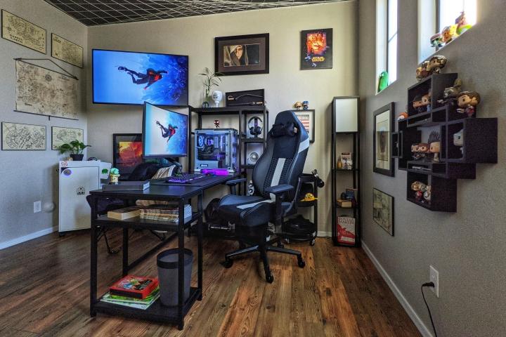 Show_Your_PC_Desk_Part234_01.jpg
