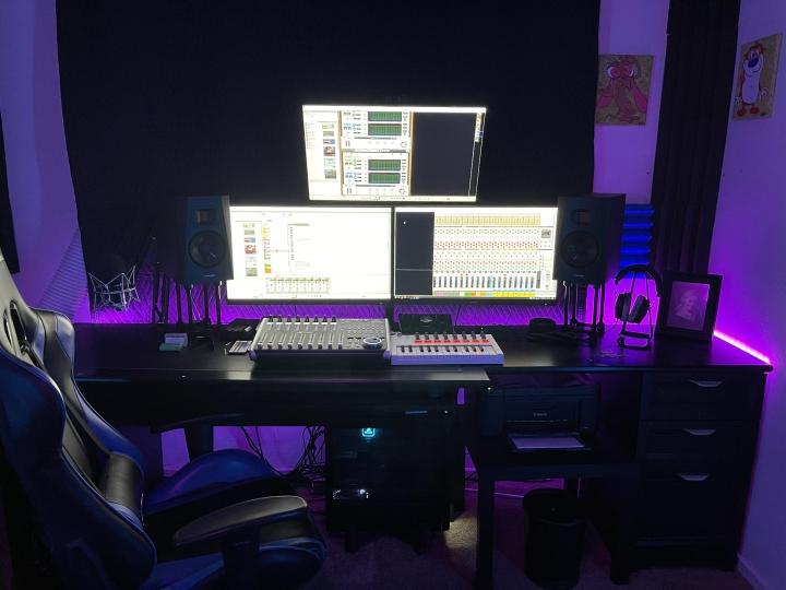 Show_Your_PC_Desk_Part234_03.jpg