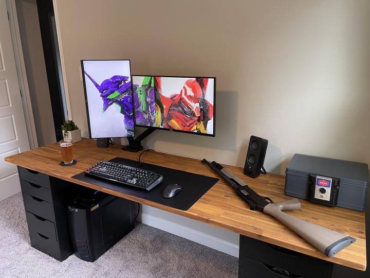 Show_Your_PC_Desk_Part234_04.jpg