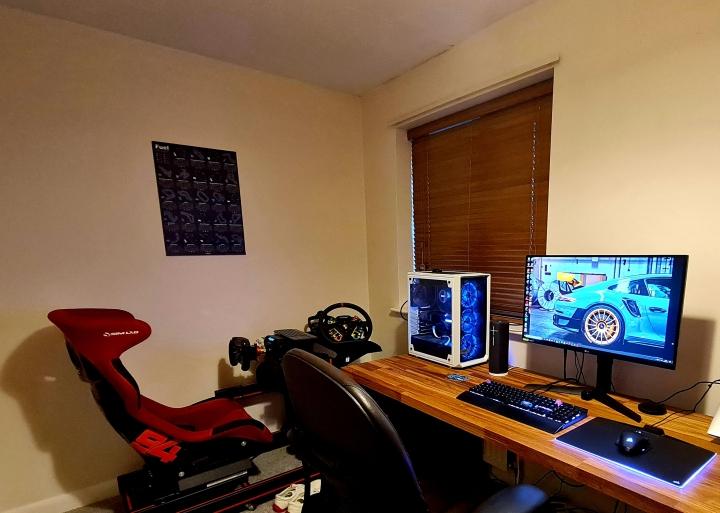 Show_Your_PC_Desk_Part234_19.jpg