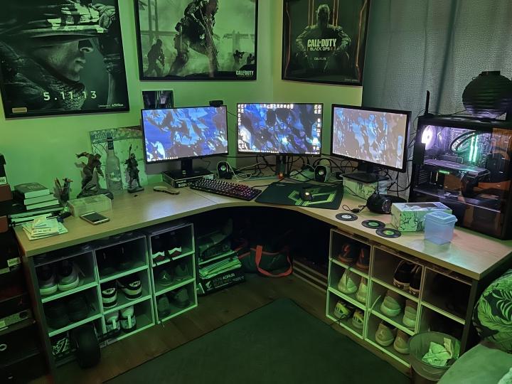 Show_Your_PC_Desk_Part234_20.jpg