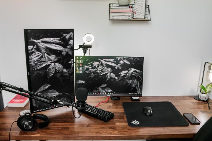Show_Your_PC_Desk_Part234_54.jpg