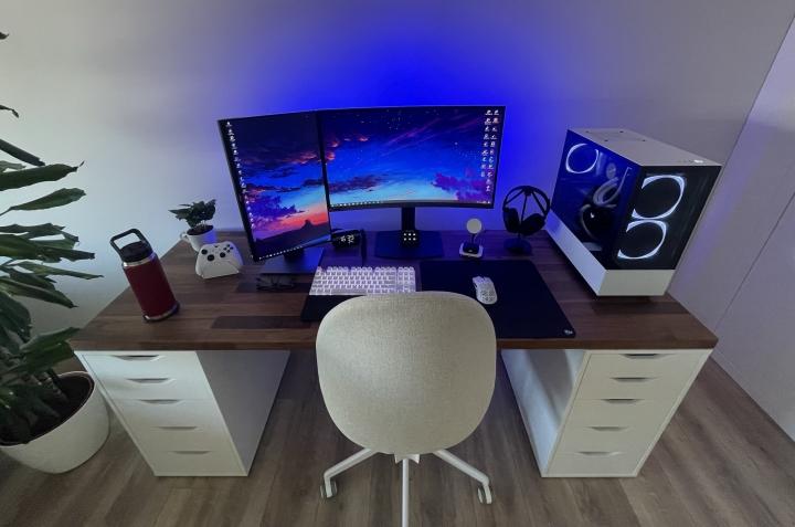 Show_Your_PC_Desk_Part234_66.jpg