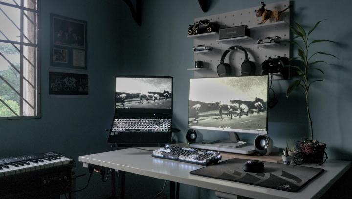 Show_Your_PC_Desk_Part234_74.jpg