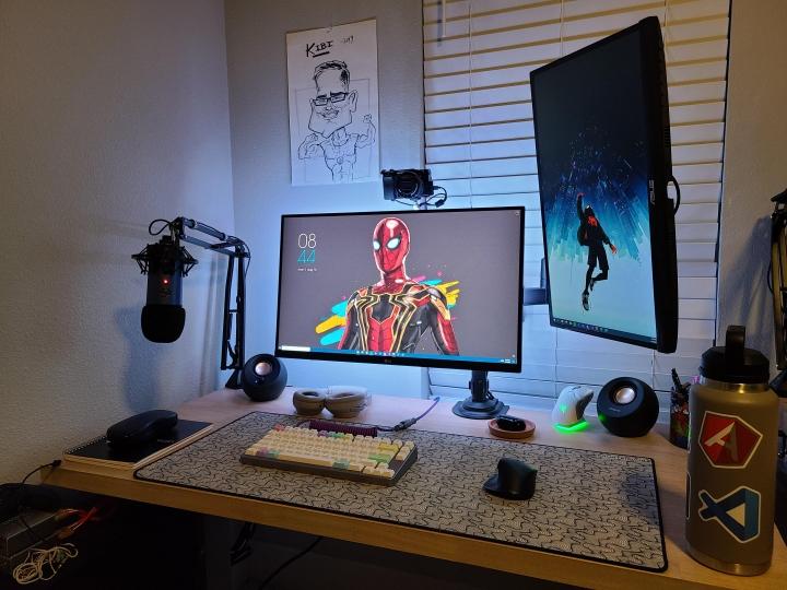 Show_Your_PC_Desk_Part235_04.jpg