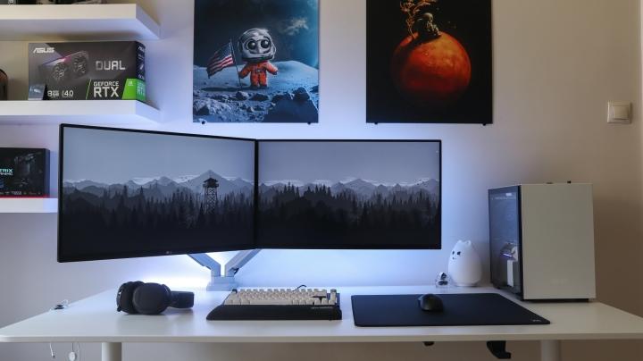 Show_Your_PC_Desk_Part235_18.jpg
