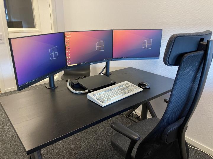 Show_Your_PC_Desk_Part235_35.jpg