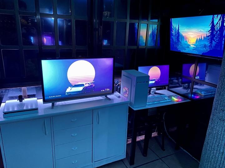 Show_Your_PC_Desk_Part235_44.jpg