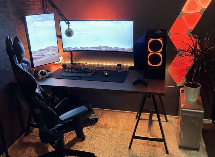 Show_Your_PC_Desk_UltlaWideMonitor_Part76_03.jpg