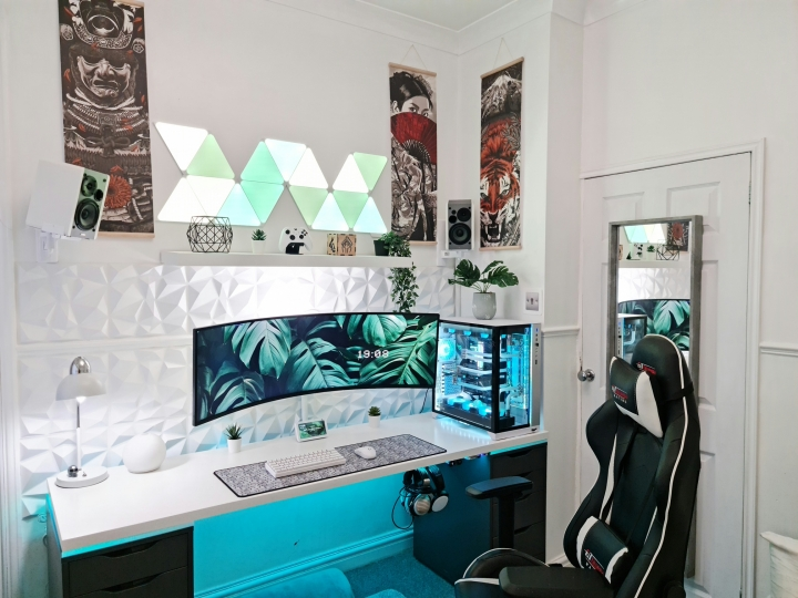 Show_Your_PC_Desk_UltlaWideMonitor_Part76_10.jpg