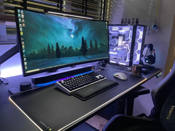 Show_Your_PC_Desk_UltlaWideMonitor_Part76_13.jpg