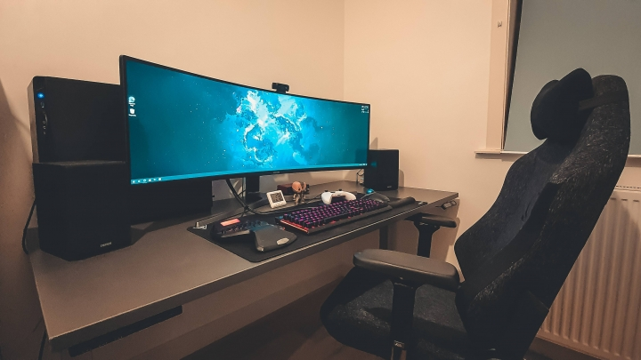 Show_Your_PC_Desk_UltlaWideMonitor_Part76_20.jpg