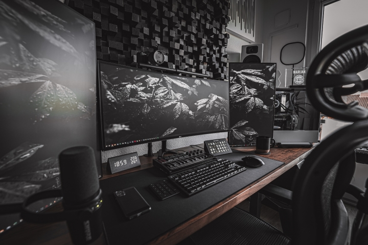 Show_Your_PC_Desk_UltlaWideMonitor_Part76_38.jpg