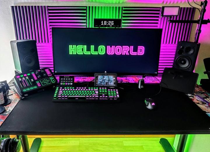 Show_Your_PC_Desk_UltlaWideMonitor_Part76_57.jpg