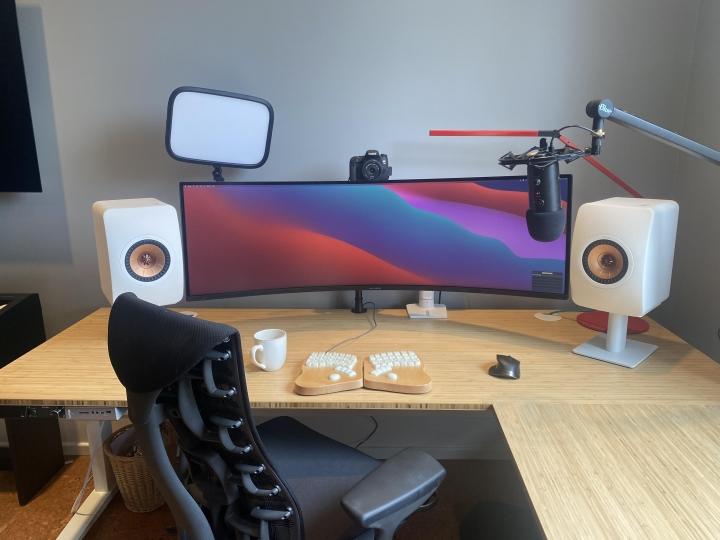 Show_Your_PC_Desk_UltlaWideMonitor_Part76_70.jpg